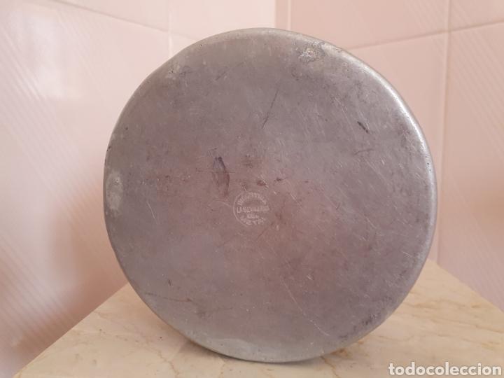Antigüedades: ANTIGUA FIANBRERA DE ALUMINIO LLEVA SELLO INDUSTRIA LA SEVILLANA DEL METAL - Foto 3 - 209014958