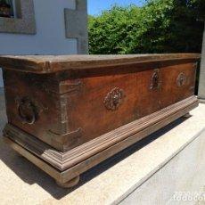 Antigüedades: PRECIOSA ARCA DE NOGAL DE EPOCA. MEDIDAS: 145-50-54 CM.. Lote 97598287