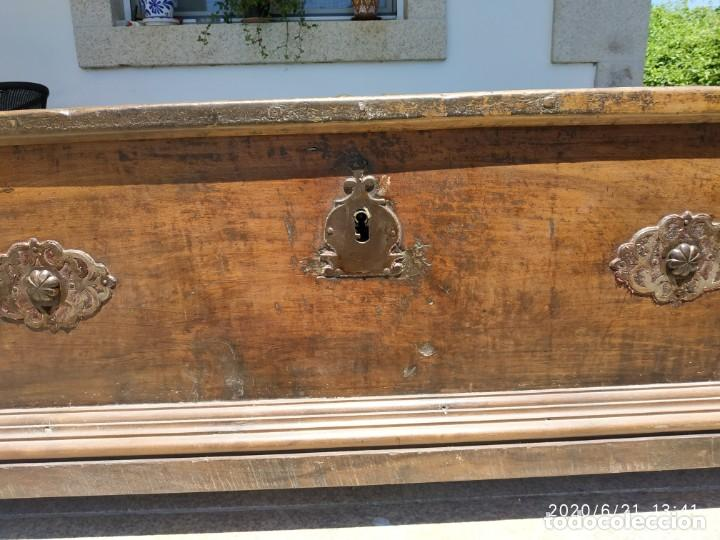 Antigüedades: Preciosa Arca de nogal de epoca. Medidas: 145-50-54 cm. - Foto 7 - 97598287