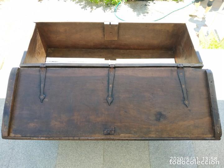 Antigüedades: Preciosa Arca de nogal de epoca. Medidas: 145-50-54 cm. - Foto 9 - 97598287