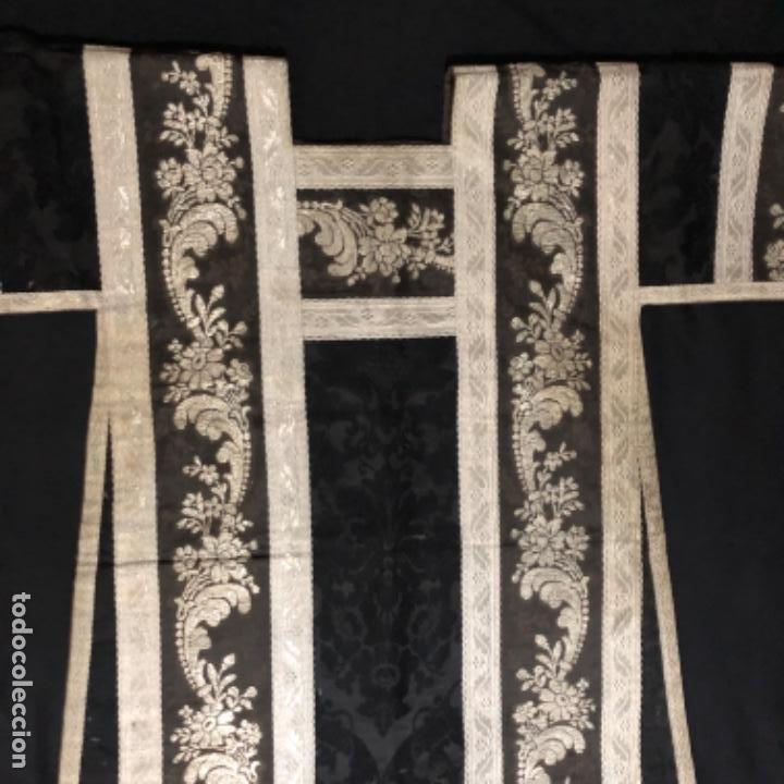 Antigüedades: Dalmatica de brocado de plata y damasco negro francesa siglo XIX - Foto 3 - 209106988