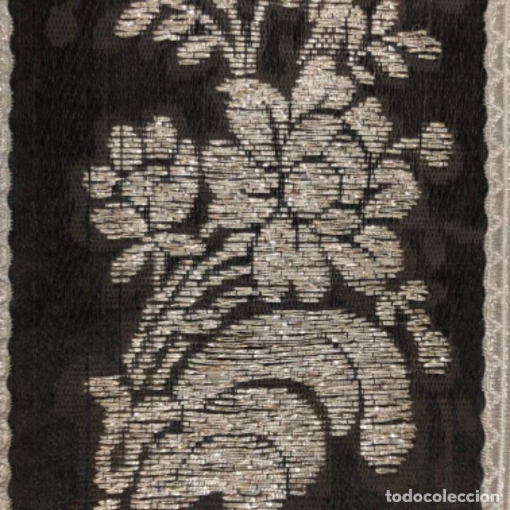 Antigüedades: Dalmatica de brocado de plata y damasco negro francesa siglo XIX - Foto 5 - 209106988