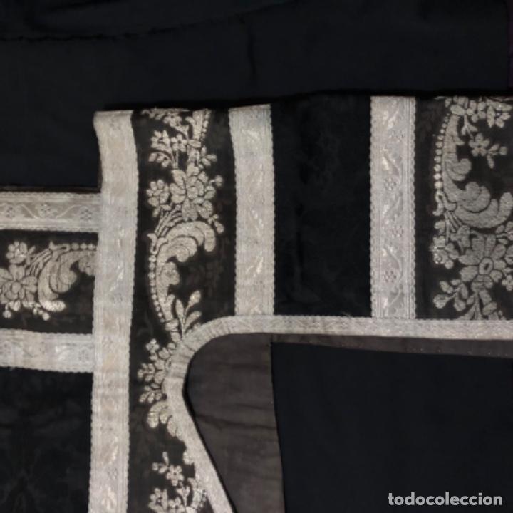 Antigüedades: Dalmatica de brocado de plata y damasco negro francesa siglo XIX - Foto 9 - 209106988