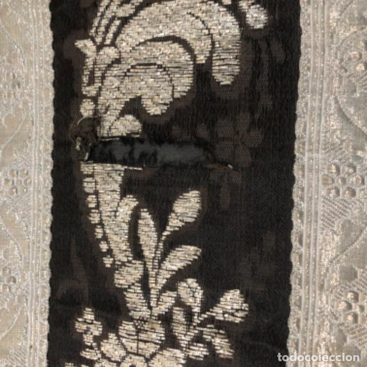 Antigüedades: Dalmatica de brocado de plata y damasco negro francesa siglo XIX - Foto 10 - 209106988