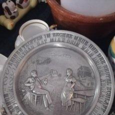 Antigüedades: PLATO DECORATIVO DE ZINC. Lote 209127455