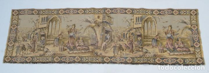 ANTIGUO TAPIZ ESCENA ORIENTAL 140 X 44 CM (Antigüedades - Hogar y Decoración - Tapices Antiguos)