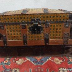 Antigüedades: BAÚL DE MADERA Y CHAPA. A1. Lote 209312645