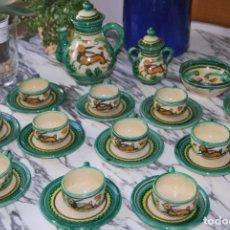 Antigüedades: JUEGO DE CAFÉ DE CERÁMICA - PUENTE DEL ARZOBISPO - HNOS. ESCOBAR - 10 SERVICIOS - AZUCARERO,CAFETERA. Lote 209315187