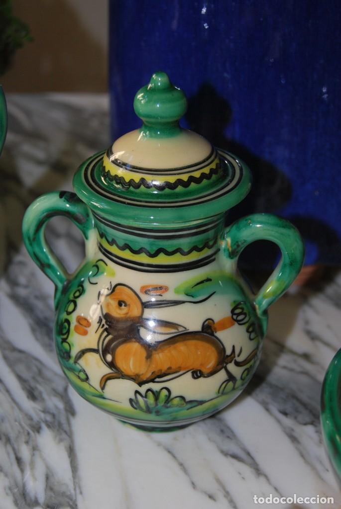 Antigüedades: JUEGO DE CAFÉ DE CERÁMICA - PUENTE DEL ARZOBISPO - HNOS. ESCOBAR - 10 SERVICIOS - AZUCARERO,CAFETERA - Foto 5 - 209315187