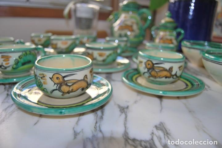 Antigüedades: JUEGO DE CAFÉ DE CERÁMICA - PUENTE DEL ARZOBISPO - HNOS. ESCOBAR - 10 SERVICIOS - AZUCARERO,CAFETERA - Foto 9 - 209315187