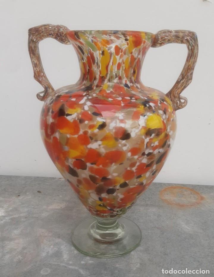 JARRON ANTIGUO DE CRISTAL DE MURANO DE 28 CMS. DE ALTURA X 20 CMS. DE ENVERGADURA (Antigüedades - Cristal y Vidrio - Murano)