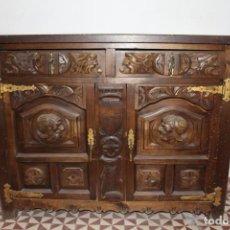 Antiquités: TAQUILLÓN DE MADERA ESTILO COLONIAL. Lote 209366875