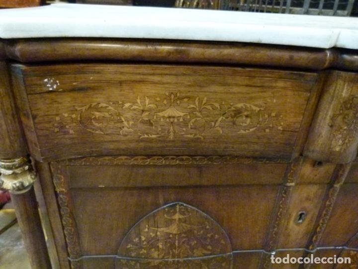 Antigüedades: COMODA ISABELINA DE NOGAL CON INCUSTRACIONES DE BOIX SIGLO XIX - Foto 6 - 209417430