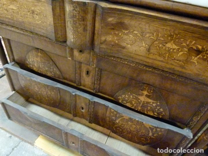 Antigüedades: COMODA ISABELINA DE NOGAL CON INCUSTRACIONES DE BOIX SIGLO XIX - Foto 12 - 209417430
