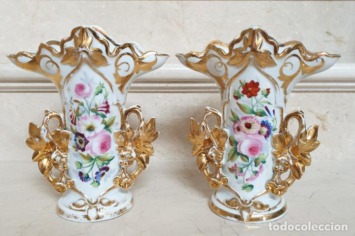 MARAVILLOSA PAREJA DE JARRONES EN PORCELANA DE VIEJO PARIS,S. XIX (Antigüedades - Porcelanas y Cerámicas - Otras)