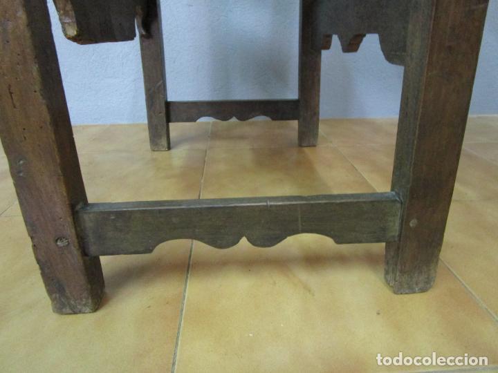 Antigüedades: Sillón Frailero - Madera de Nogal - Respaldo Bordado - Tapicería en Terciopelo - S. XVII-XVIII - Foto 19 - 209585303