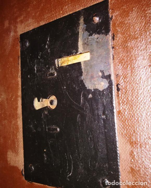 Antigüedades: Antigüo baúl de viaje en madera. - Foto 6 - 49275154