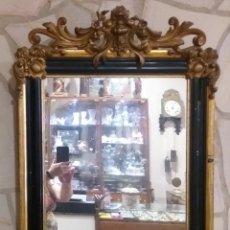 Antigüedades: ESPEJO ANTIGUO DE MADERA CON PAN ORO EBONIZADO S. XIX. Lote 209610450