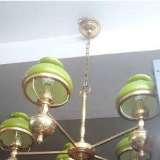 Antigüedades: LAMPARA TECHO 5 BRAZOS BRONCE TULIPAS OPALINA VERDE. ART DECO. ORIGINAL. MUY BUEN ESTADO. Lote 209642085