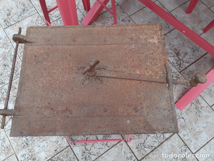 PUERTA DE HORNO PANADERO ANTIGUO (Antigüedades - Técnicas - Rústicas - Utensilios del Hogar)