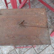 Antigüedades: PUERTA DE HORNO PANADERO ANTIGUO. Lote 209676020