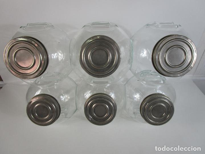 Antigüedades: Carameleros, Bomboneras - Cristal Redondo, Apilable - Tapón Metálico - de Antigua Tienda, Confitería - Foto 4 - 209740163