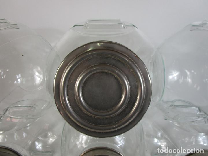 Antigüedades: Carameleros, Bomboneras - Cristal Redondo, Apilable - Tapón Metálico - de Antigua Tienda, Confitería - Foto 5 - 209740163