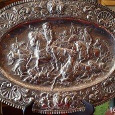 Antigüedades: BANDEJA DE PLATA. PLATERO B. LOPEZ.. Lote 209755617