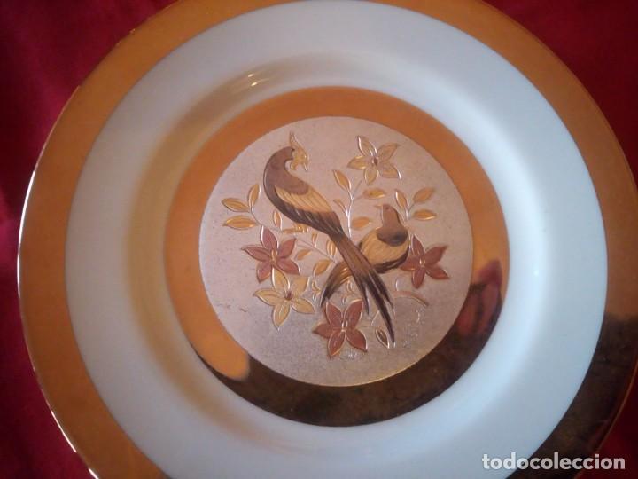 Antigüedades: Bonito plato en porcelana japonesa en técnica de grabado CHOKIN,1983 - Foto 4 - 221910027
