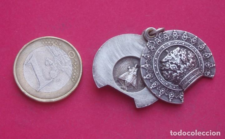 PRECIOSA MEDALLA ANTIGUA CORONA VIRGEN DE COVADONGA. ASTURIAS. (Antigüedades - Religiosas - Medallas Antiguas)