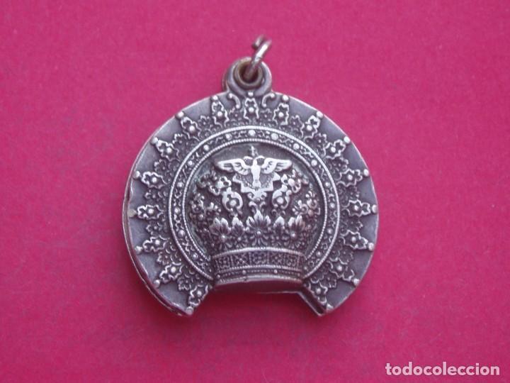 Antigüedades: Preciosa Medalla Antigua Corona Virgen de Covadonga. Asturias. - Foto 2 - 209877426