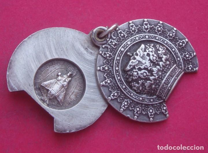 Antigüedades: Preciosa Medalla Antigua Corona Virgen de Covadonga. Asturias. - Foto 3 - 209877426