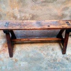 Antigüedades: MARAVILLOSO BANCO RÚSTICO ANTIGUO - ROBUSTO - BONITA PÁTINA Y DESGASTES, CON MUCHO SABOR. Lote 209911001