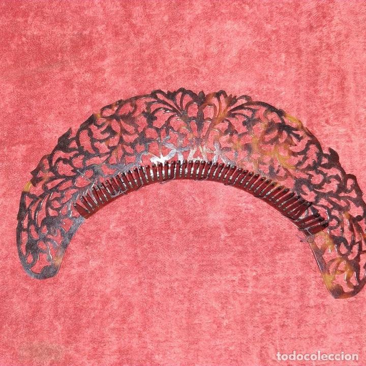 Antigüedades: PEINETA. CELULOIDE SÍMIL CAREY. TALLADO A MANO. ESPAÑA. XIX-XX - Foto 7 - 209925437
