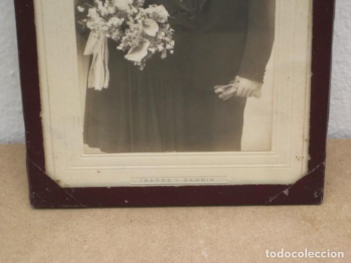 Antigüedades: Cuadro con foto en blanco y negro antigua. 19x14. - Foto 4 - 209926631