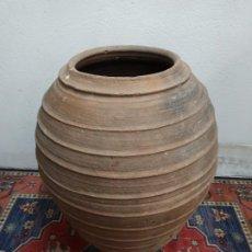 Antigüedades: TINAJA DE BARRO CON MARCAJES. PD. Lote 246868245