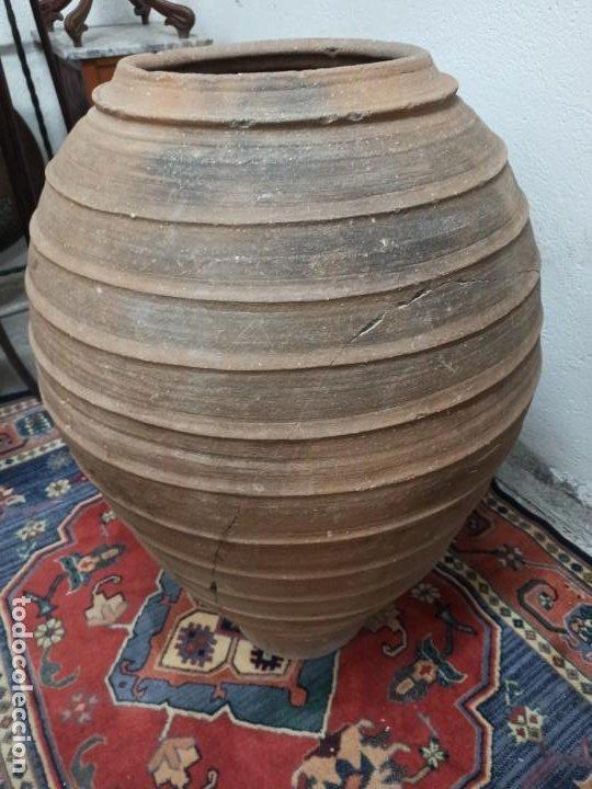 Antigüedades: Tinaja de barro con marcajes. PD - Foto 2 - 246868245