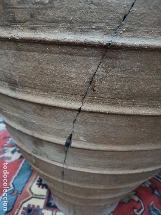 Antigüedades: Tinaja de barro con marcajes. PD - Foto 3 - 246868245