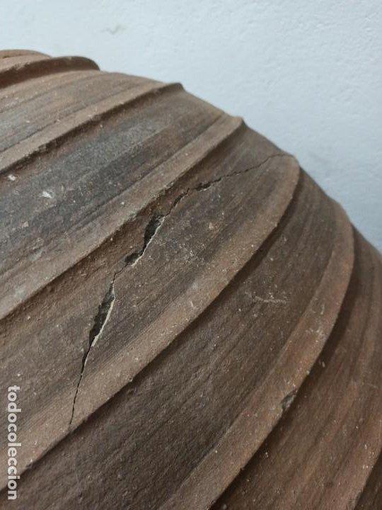 Antigüedades: Tinaja de barro con marcajes. PD - Foto 4 - 246868245