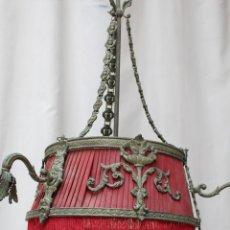 Antigüedades: LAMPARA DE TECHO ANTIGUA DE METAL CON FLECOS. Lote 210001542