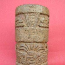 Antigüedades: VASO RITUAL MAYA ( RECREACIÓN O REPRODUCCIÓN). ALTURA 19 CM. DIÁMETRO 9,5 CM. 1975 GRAMOS.. Lote 210003007