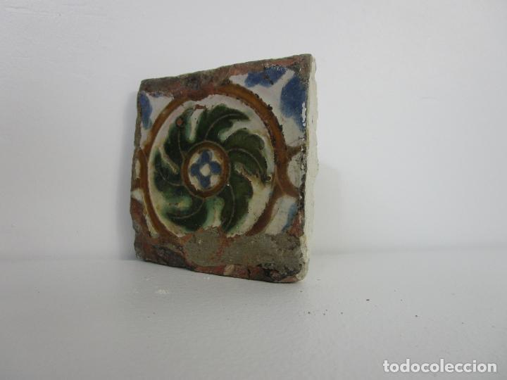 Antigüedades: Azulejo Olambrilla de Arista - Estilo Árabe Mudéjar - Toledo - S. XVI - Foto 3 - 210003810