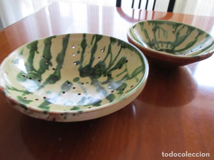 Antigüedades: dos platos escurridores de ceramica catalana ditintos tamaños - Foto 2 - 210005866