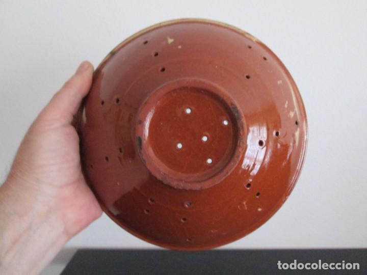 Antigüedades: dos platos escurridores de ceramica catalana ditintos tamaños - Foto 5 - 210005866