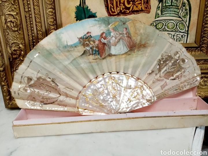 Antigüedades: Abanico pintado y firmado s.XIX varillaje en nacar y encaje. - Foto 9 - 139707260