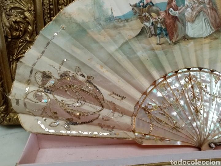 Antigüedades: Abanico pintado y firmado s.XIX varillaje en nacar y encaje. - Foto 11 - 139707260