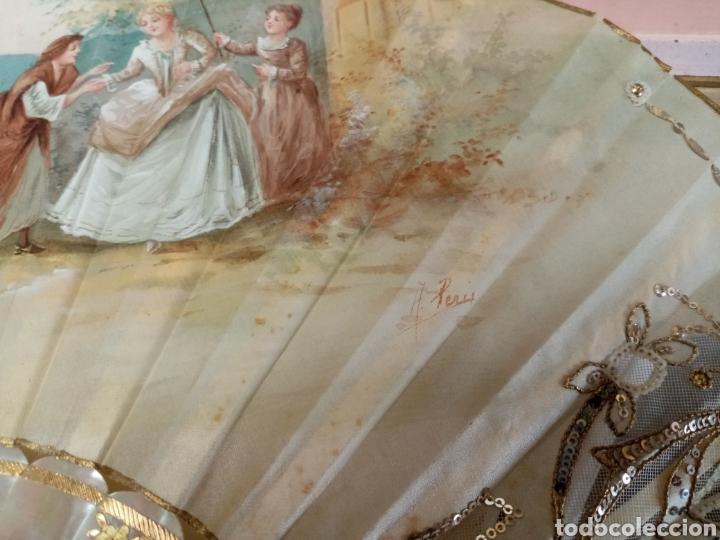 Antigüedades: Abanico pintado y firmado s.XIX varillaje en nacar y encaje. - Foto 13 - 139707260