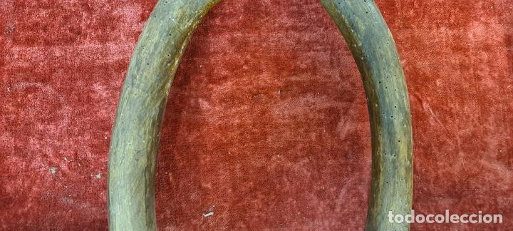Antigüedades: YUGO ARISCO PARA MULA O RES. MADERA. HERRAJES EN HIERRO FORJADO. SIGLO XIX - Foto 6 - 210012731