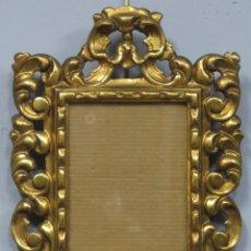 Antigüedades: ANTIGUO MARCO DE MADERA TALLADA DORADA. SIGUIENDO MODELOS BARROCOS. HACIA 1890. Lote 210017025