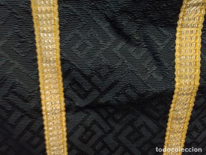 Antigüedades: Bella casulla negra con estola a juego. A1 - Foto 5 - 210029260